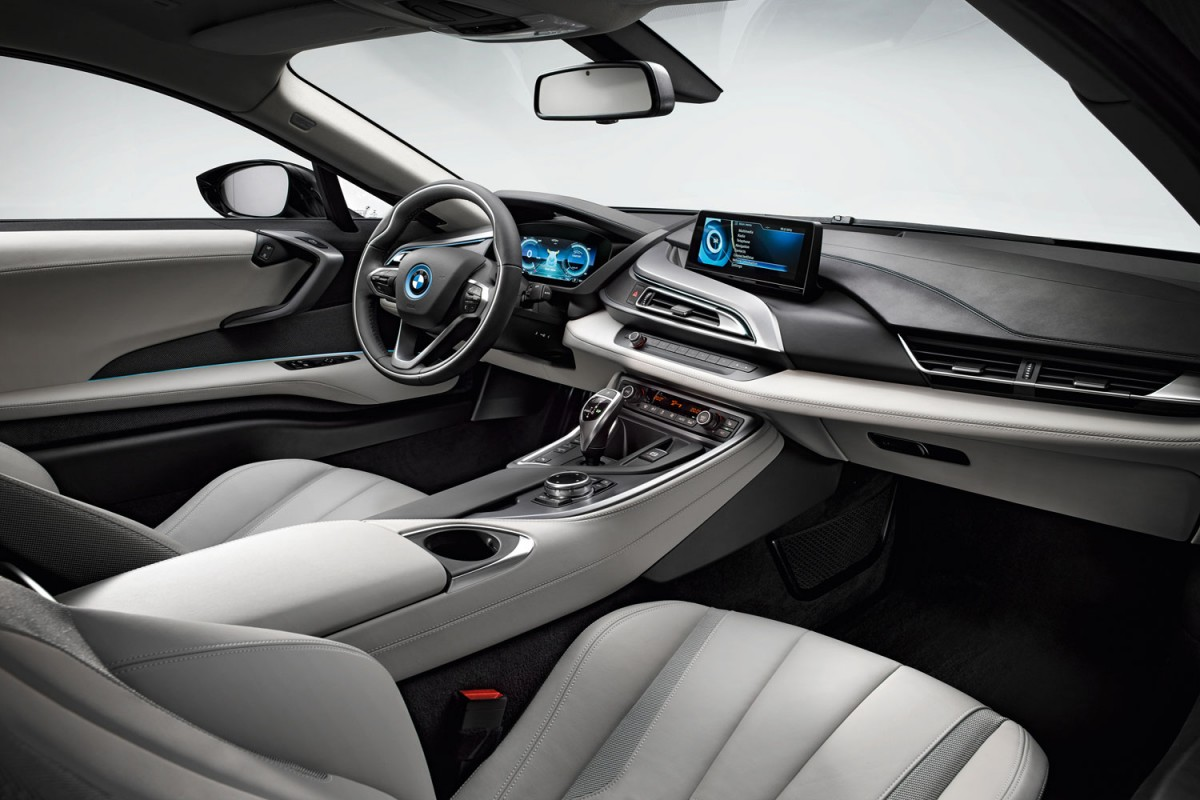 Bmw_i8_interior-rental-miami-e1422120646660